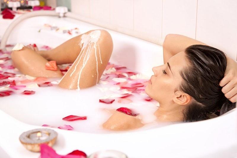 Những nguyên tắc cơ bản khi tắm mẹ bầu cần biết 2