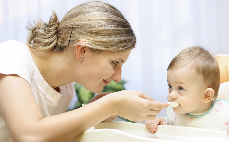 """Làm thế nào để tập cho trẻ thói quen """"không kén ăn"""""""