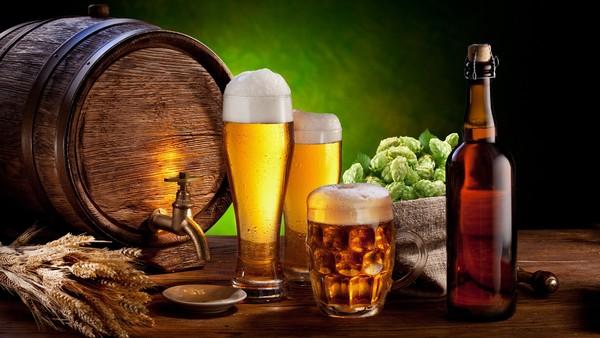 Công dụng làm đẹp ít người biết từ bia
