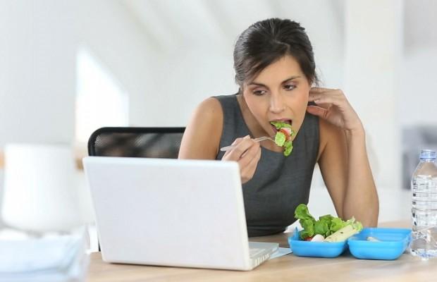Tự chuẩn bị bữa trưa để giảm cân