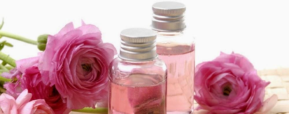 Cách giúp da trắng hồng đẹp tự nhiên với tinh chất hoa hồng 3