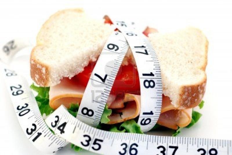 Bạn nên giảm tối đa lượng tinh bột trong bữa ăn.