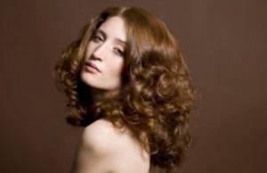 Những lưu ý cần tránh làm tóc bạn thương tổn