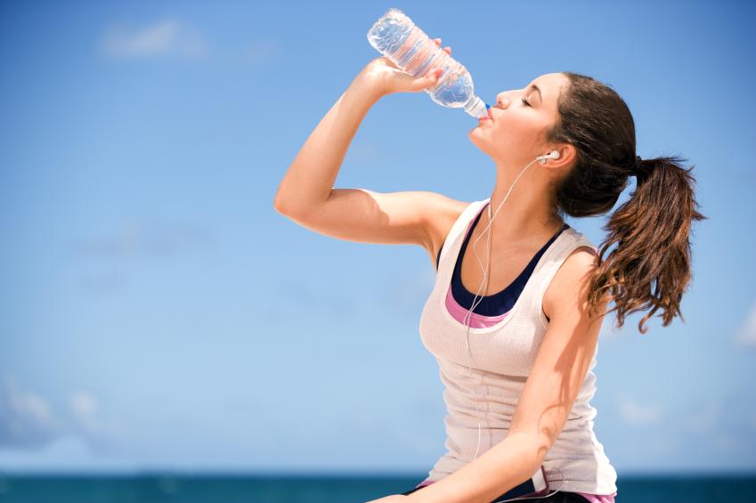 1 ngày uống ít nhất 2l nước