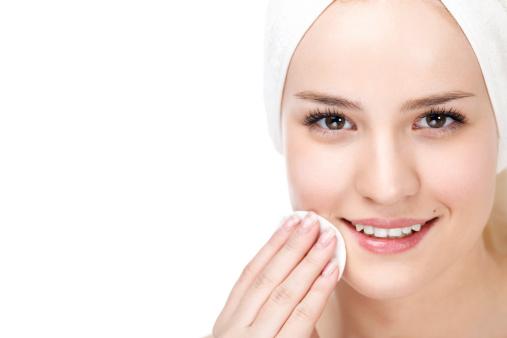 Bổ sung dưỡng chất cho vùng da quanh mắt
