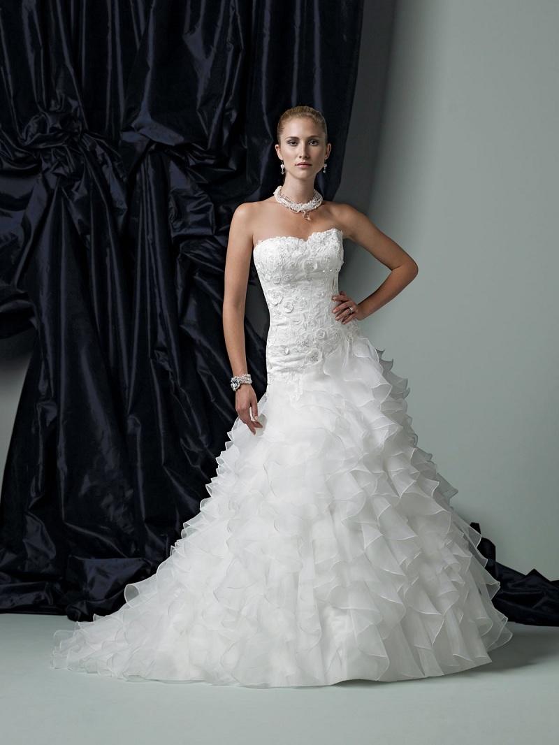 Váy đuôi cá -  Mẫu váy cưới không thể thiếu dành cho các cô dâu trẻ 7