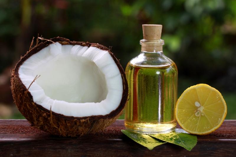 Dầu dừa cho mái tóc khỏe đẹp hơn