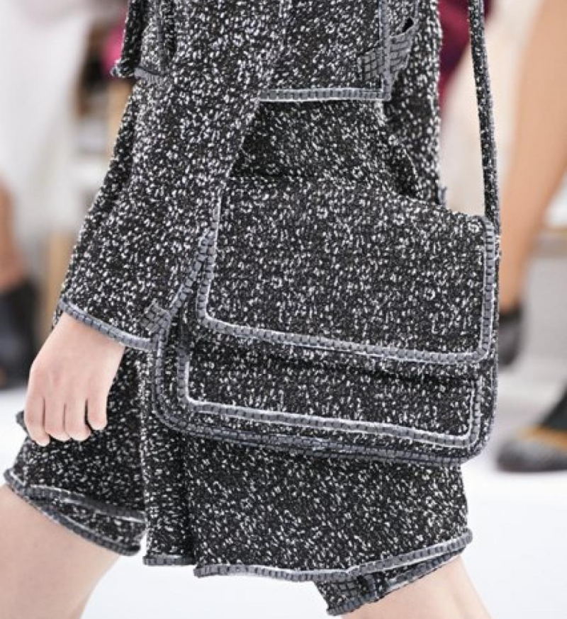 Ba lô, túi xách là cách tốt nhất để tạo điểm nhấn cho trang phục.