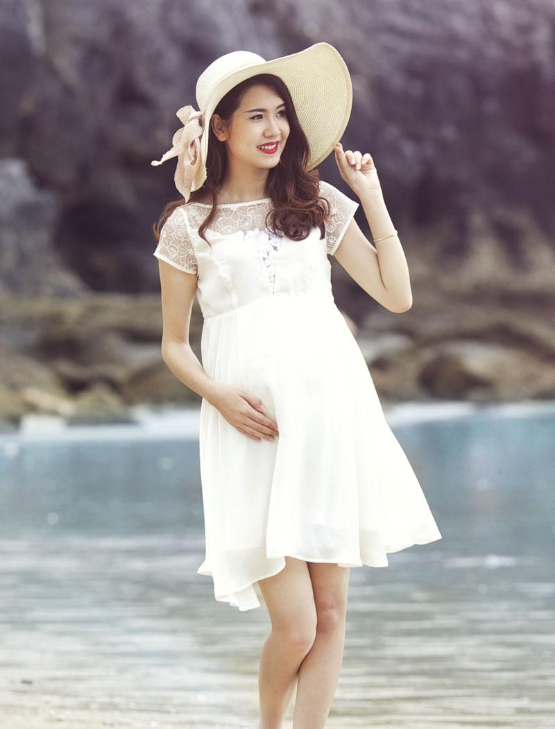 Giúp mẹ bầu xinh đẹp hơn trong những bộ váy đầm bầu 4