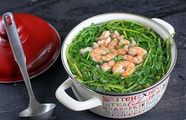 Làm mới thực đơn giảm cân của bạn với canh rau đắng nấu tôm