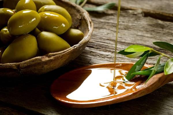 Giảm cân nhanh chóng và hiệu quả bằng dầu oliu2