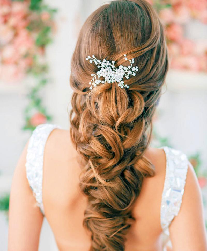 Những kiểu tóc buông dài giúp cô dâu xinh hơn trong ngày cưới 3