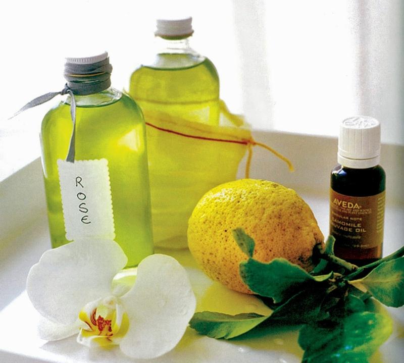 Dưỡng da bằng dầu oliu cũng rất công hiệu.