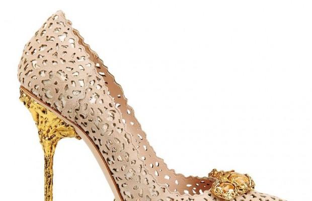 Cách phối đồ phù hợp cho những cô nàng yêu giày ánh kim 0