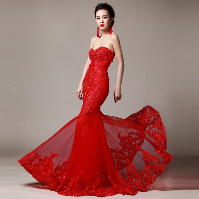 Giúp cô dâu rạng rỡ, hạnh phúc hơn trong ngày cưới nhờ những chiếc váy đỏ 2
