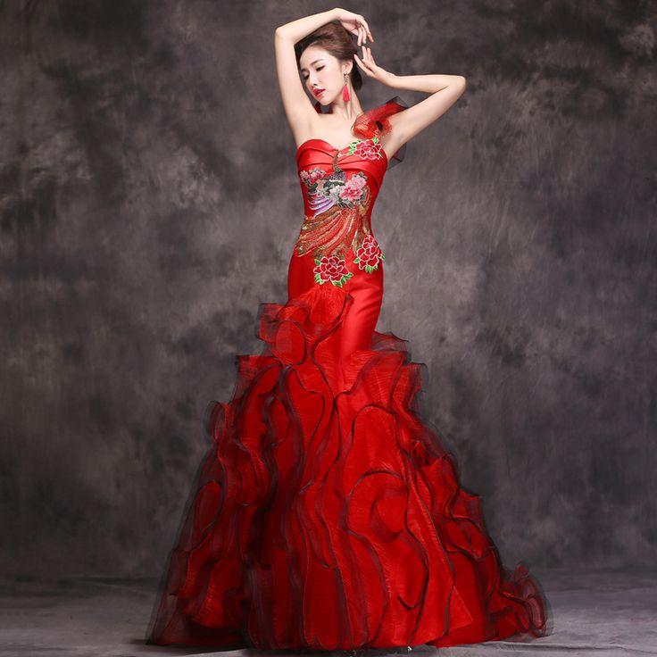 Giúp cô dâu rạng rỡ, hạnh phúc hơn trong ngày cưới nhờ những chiếc váy đỏ 9