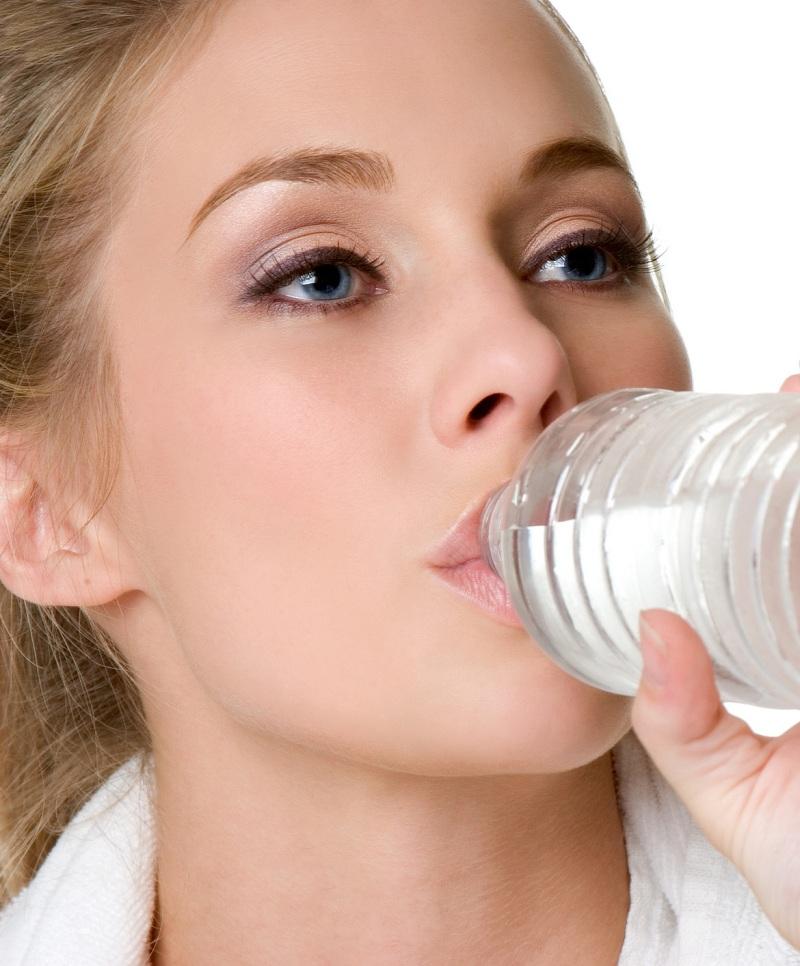 Uống nhiều nước lọc để thanh lọc cơ thể, giảm béo hiệu quả