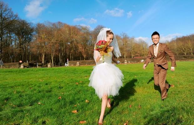 Những mẫu váy cưới ngắn giúp cô dâu xinh đẹp và năng động hơn trong ngày hè 0