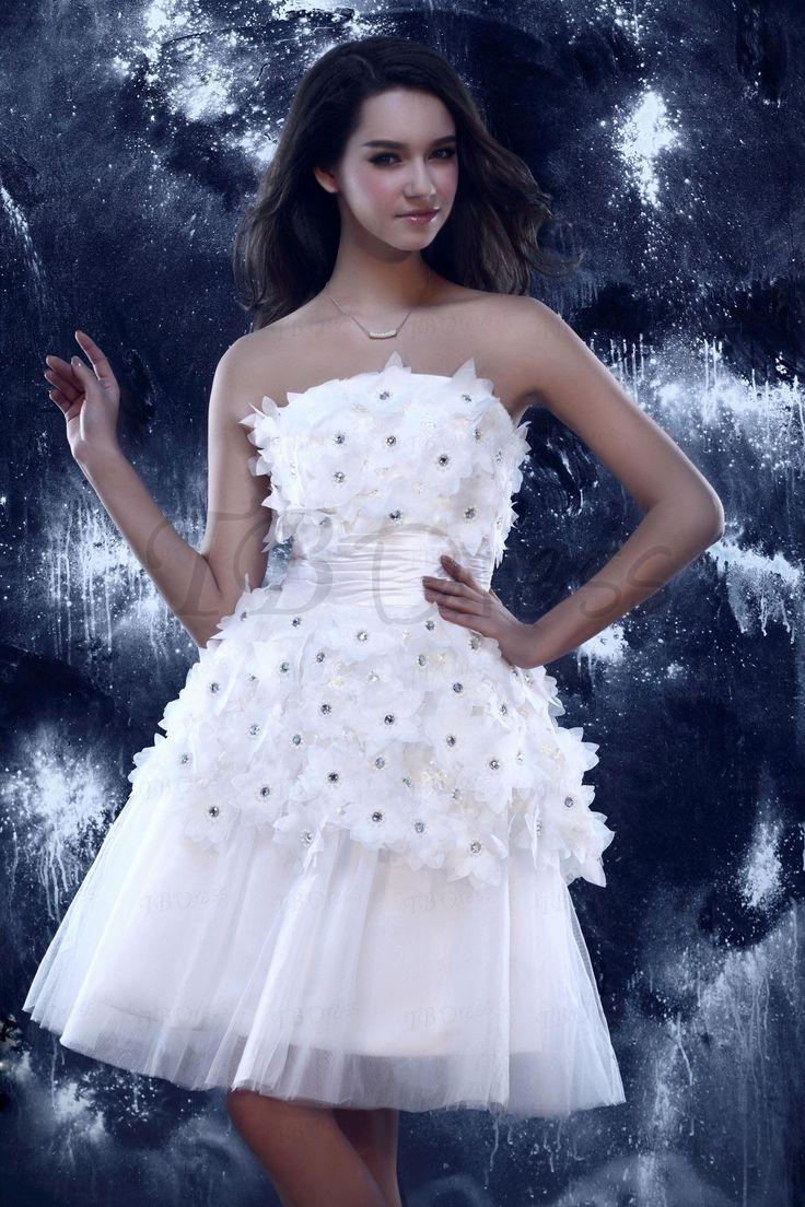 Những mẫu váy cưới ngắn giúp cô dâu xinh đẹp và năng động hơn trong ngày hè 4