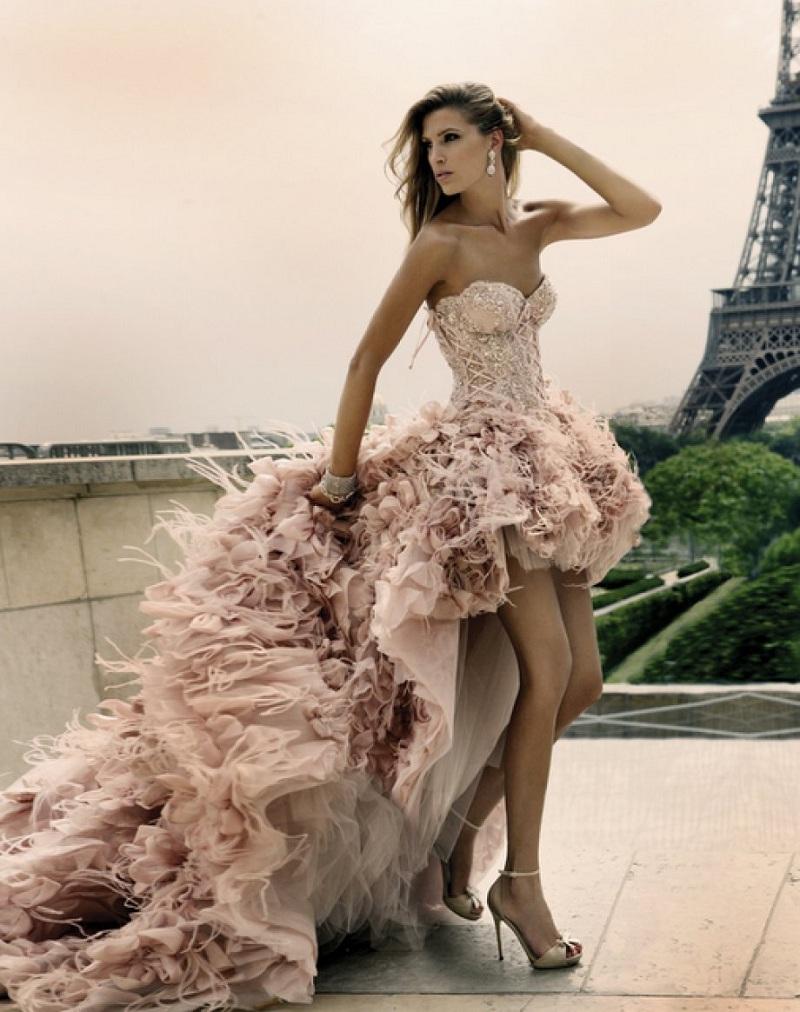 Những mẫu váy cưới ngắn giúp cô dâu xinh đẹp và năng động hơn trong ngày hè 5
