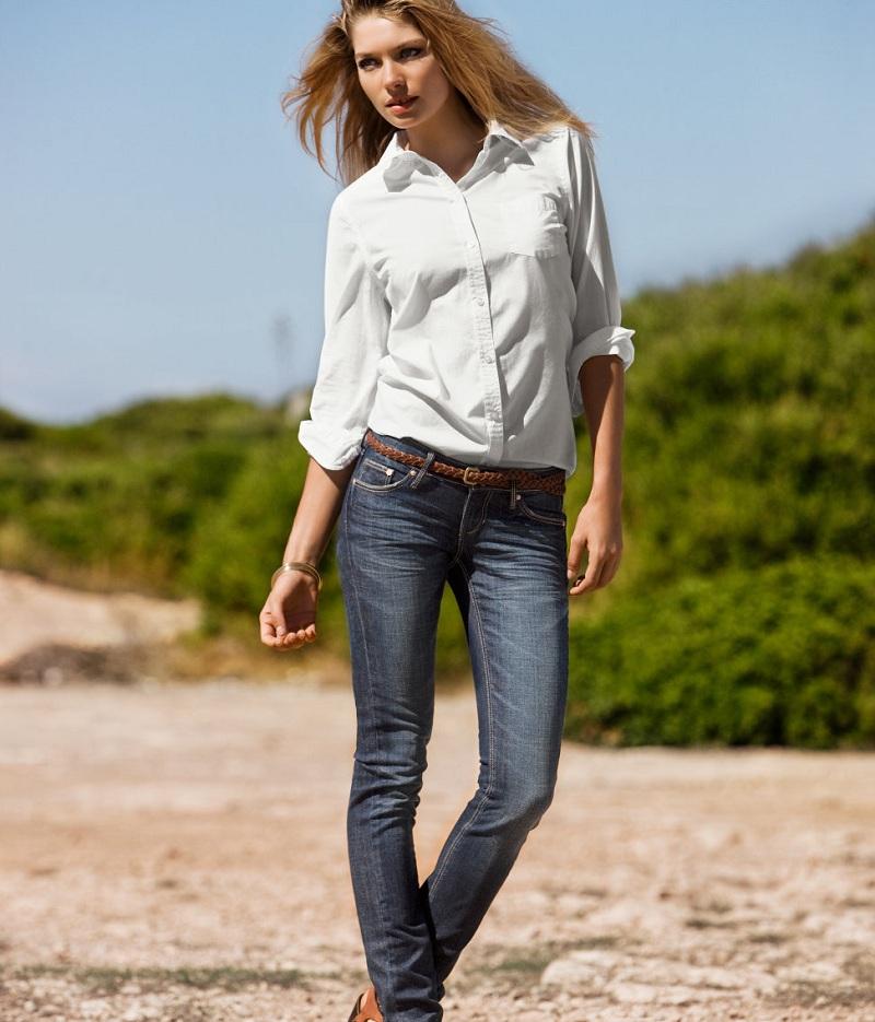 Mix quần jean cùng áo sơ mi trắng để hợp thời trang và sành điệu hơn 5