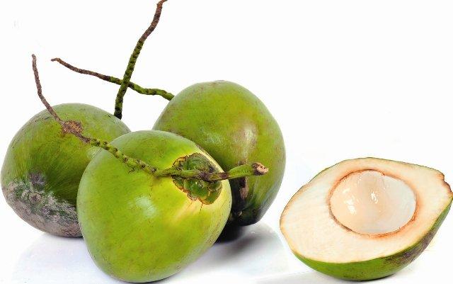 Giảm cân nhanh chóng bằng việc uống nước dừa mỗi ngày 3