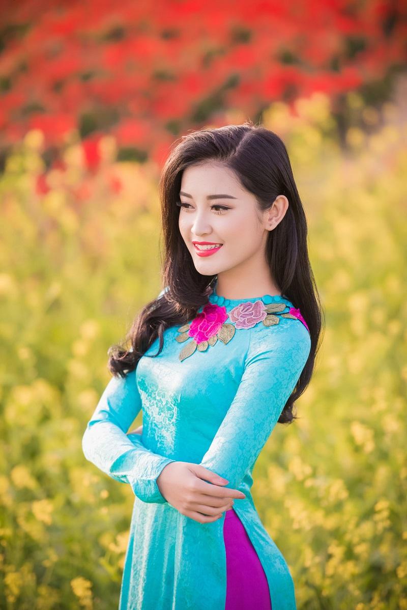 Ngắm nhìn những Á hậu xinh không kém Hoa hậu của Việt Nam 2
