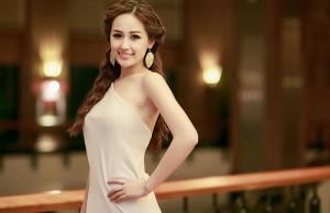 Những mỹ nhân của showbiz Việt luôn gắn liền với mái tóc dài bồng bềnh 0