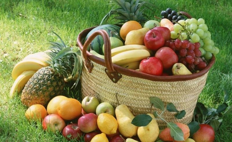 Chọn các loại trái cây có vỏ dày một chút là giải pháp hoàn hảo cho bạn.