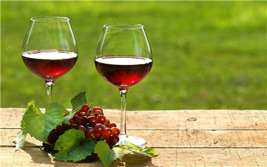 Mẹo giúp chị em giảm cân và làm đẹp da với rượu vang8