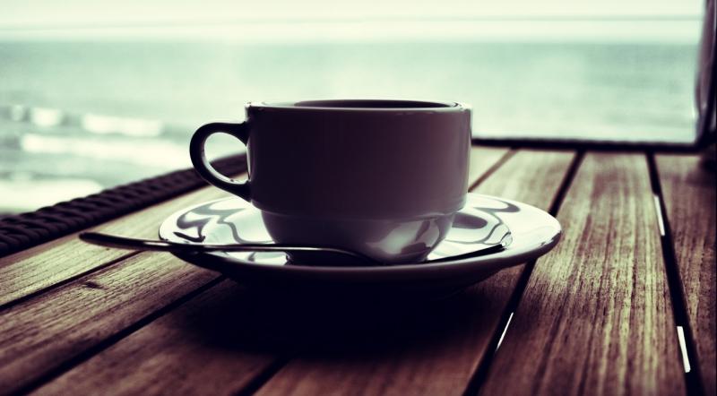 Bạn nên uống cafe ở mức vừa phải thôi nhé.