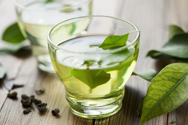 Uống trà xanh thường xuyên để đốt cháy mỡ thừa vùng bụng
