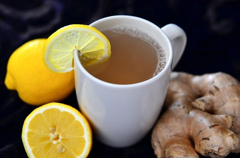 Nước chanh pha mật ong là một loại nước uống tốt cho việc giảm cân