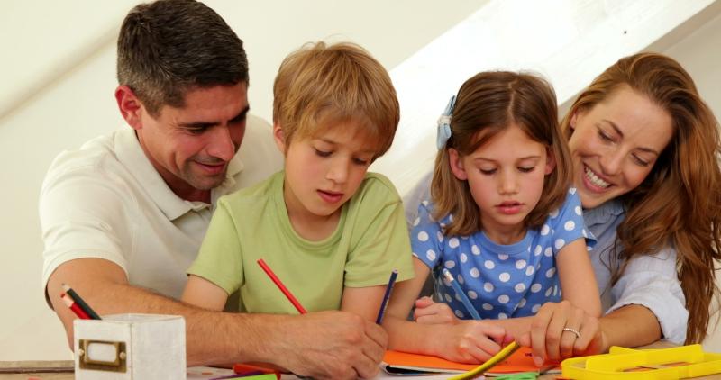 Và dạy trẻ cách chia sẻ.