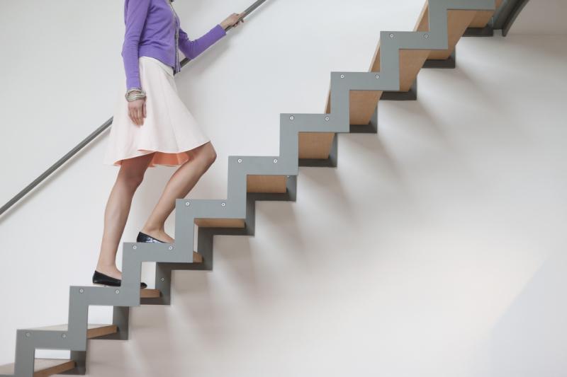 Bạn có thường xuyên leo cầu thang không?