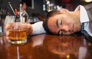 Mẹo uống rượu bia không lo bị say dành cho các quý ông trong dịp Lễ Quốc Khánh