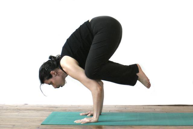 Những bài tập yoga giúp chị em cải thiện giấc ngủ và giảm stress hiệu quả4