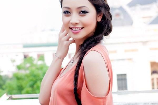 Jennifer Phạm ngày càng trẻ đẹp và năng động nhờ hình thành lối sống năng động