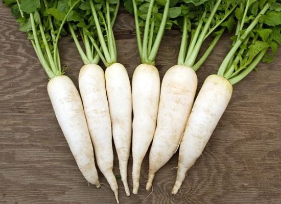 Thực đơn giảm cân sau sinh an toàn với củ cải trắng