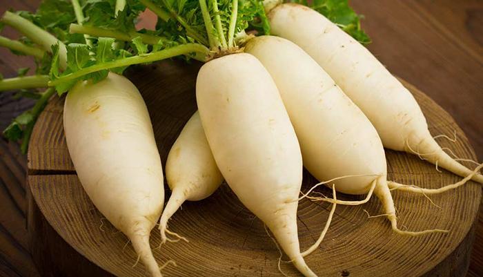 Thực đơn giảm cân sau sinh an toàn với củ cải trắng4