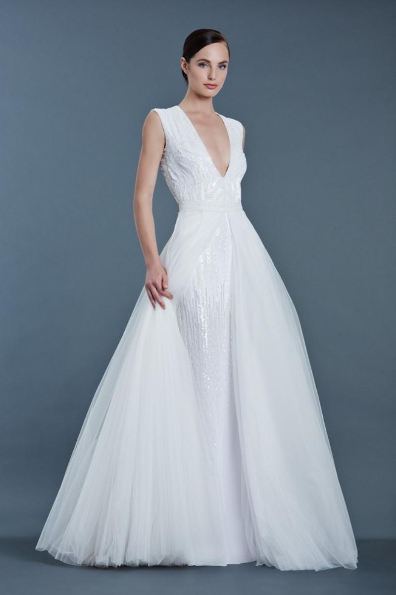 Các mẫu váy cưới ngày càng đa dạng và phong phú.