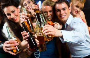 Cách làm cho quý ông hạn chế tình trạng béo bụng do uống bia