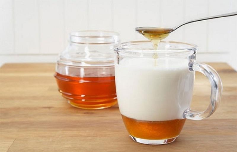 Trà gừng, mật ong và sữa