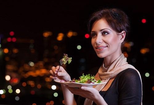 Bật mí cách ăn uống thả ga vào dịp Tết không sợ bị thừa cân2