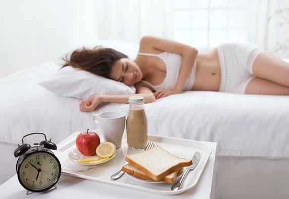 Những thói quen xấu làm ảnh hưởng tiêu cực đến cân nặng và sức khỏe2