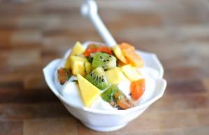 Kết hợp sữa chua với trái cây để giảm cân nhanh chóng