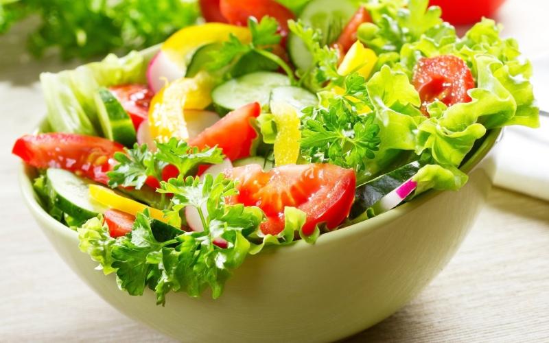 Rau quả bổ sung nhiều dưỡng chất thiết yếu cho bạn.