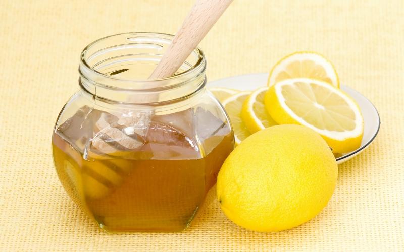 Đừng quên tận dụng mật ong như phương pháp chăm sóc phù hợp nhất.