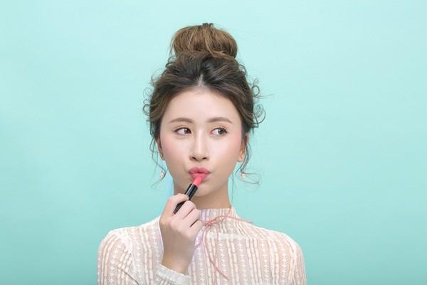 Bật mí cách trang điểm của hot teen Quỳnh Anh Shyn3