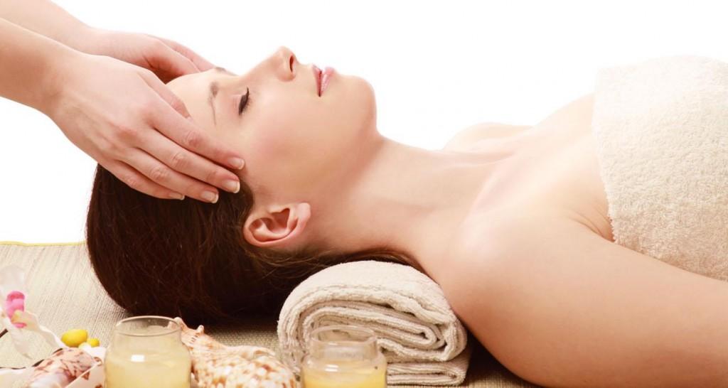 Cách massage mặt giúp khuôn mặt thon gọn và làn da mịn màng3